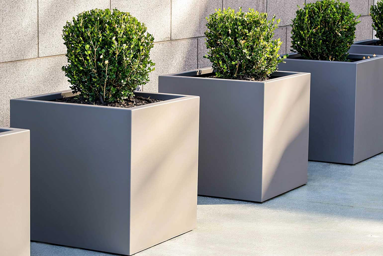 cube-aluminum-planter