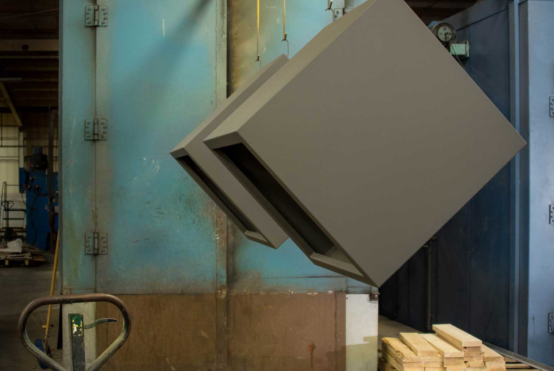 planter-manufacturer-cube
