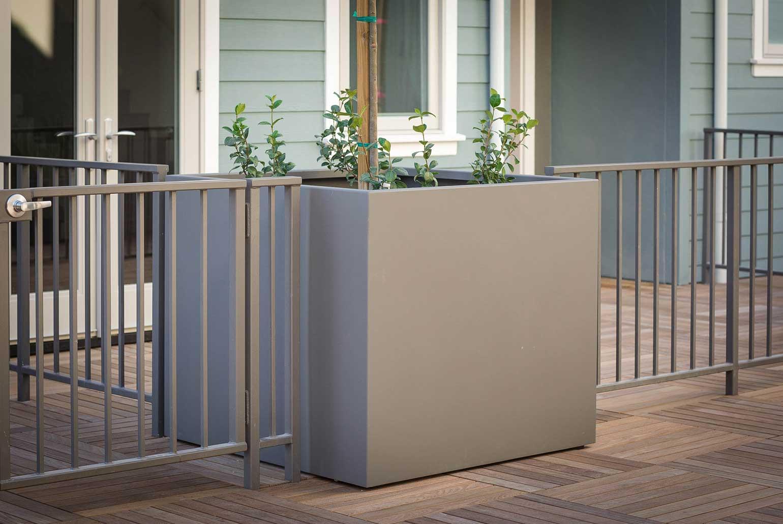 custom-aluminum-planter-cube-deck
