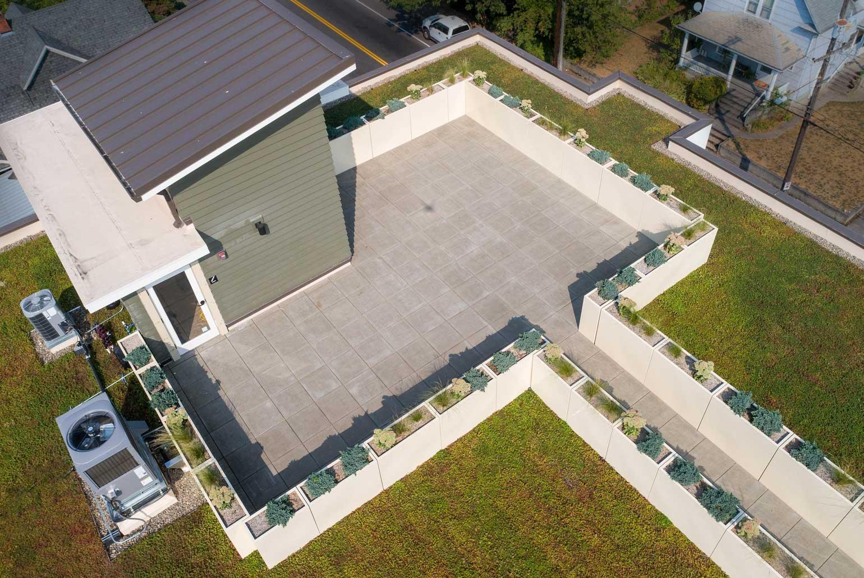 custom-planters-green-roof-garden